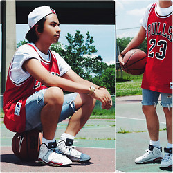 Denny Balmaceda - Nike Jordan 6, Levi's® Levi's Shorts - Inspired by the film White Men Can't Jump.