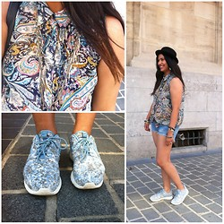 Karen Rakoto - Nike Roshe Run - Flowers power