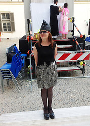 Olga Rink - Made Myself Hat, Margherita Suppini (Italy) Dress, Made In Italy Shoes - A little black dress