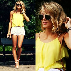 Petra Karlsson - Top, Shorts, Puccini Bag, Shoes - Sunny yellow