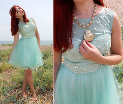 Paige Joanna Calvert - Chichi Aqua Dress, H&M Shell Necklace - Washed up on the shore.