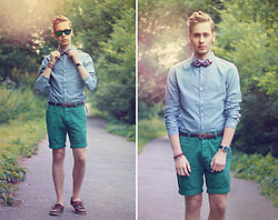 Mykola Hruts - Rockartel Embroidered Casual Shirt, River Island Green Chino Shorts, H&M Bow Tie, H&M Green Mirror Sunglasses - I Need a Dollar