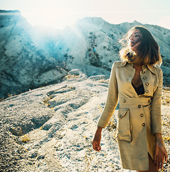 Mira Berglind - Vintage Coat - SKY AND SAND
