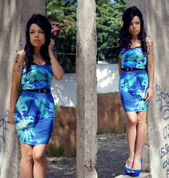 Priscila Diniz - Shop126 Blue Dress - My tears dry on their own(2 years without Amy Winehouse)