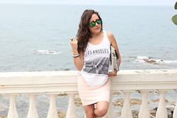 Effe Coco - Brandy Melville Usa T Shirt, Rocco Barocco Skirt, Ray Ban Glasses - Los Angeles outfit