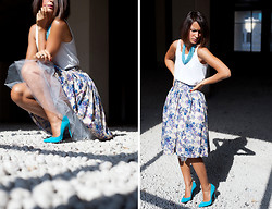 Galant-Girl Ellena - Cesare Paciotti Suede Pumps, Mango White Top - Skirt's karma. Юбочная карма.