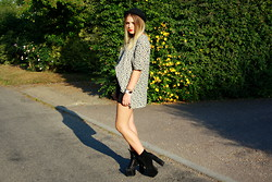 Sarah Taylor - Charity Shop Tunic Top, H&M Shorts, Ebay Platform Shoes, Missguided Hat - Rose Appreciation
