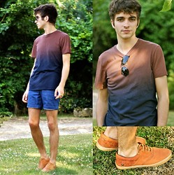 "Matthias C. - Cos Ombre Tee, Ray Ban Sunnies, Neosens Leather Shoes, H&M Short - ""Alpos"""