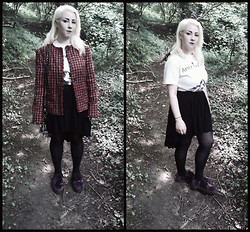 Leigh Freda - Vintage Checked Coat, Alice In Chains Top, Primark Black Skirt, Dr. Martens Ankle Boots - Into the woods