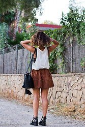 Sara E. - Asos Skirt, Zara Top, Asos Bag - SUEDE SKIRT