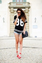 Irene's Closet - Romwe Tee, Vogue Eyewear Sunglasses, Sheinside Shorts, Chanel Bag, Unisa Ylan Shoes - Chanel N°86