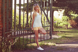 Charmeuse - Vancl Mint Collar Blouse, Vancl Shorts, Vancl Sneakers, Vancl Sunglasses - When love comes to town