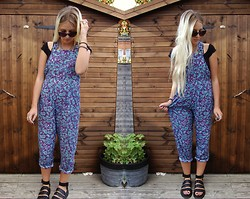 Nicola Boraston - Motel Rocks Edie Dungarees In Vintage Paisley Print, Free People Smocked Seamless Crop, Dr. Martens Liza Sandals - EDIE