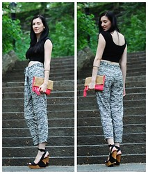 Patrycja P - Bcbg Wedges, H&M Clutch - Tribal Print