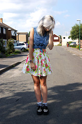 Sophie Bee - Hearts And Bows Floral Skater Skirt, H&M Denim Vest, Underground Leopard Print Curtains, Topshop Grey Floral Socks - Floral and Denim