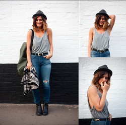 Emilie Layla Lovaine - H&M Mens Vest, Topshop Denim, Vintage Mens Shirt, Hawaii Market Hat - Bluez