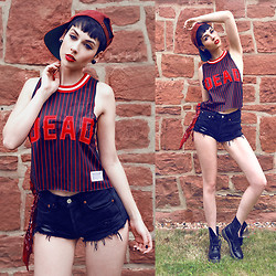 Nora Lovely - Drop Dead Shirt, Dr. Martens Boots, Levi's® Jeans - Baseball girl