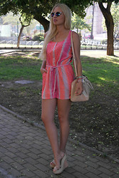 Doll Actitud Sabrina - Primark Playsuit, H&M Sunnies, Mango Bag - Neon Playsuit