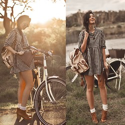 Elle-May Leckenby - The White Pepper Angel Dress Gingham, Choies Heeled Lace Up Ankle Boots, Choies Hand Crafted Leather Triangle Clutch, Brown & Beige Backpack, Small Round Shades - Countryside bike rides