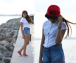 Simona Slavova - Obey Hat, Principles Lace Shirt, Moto Hot Pans, Vans Sneakers, Primark Bracelets - Crying lightning