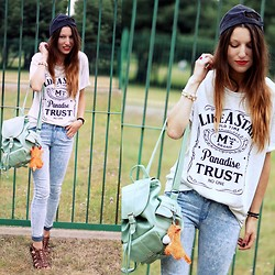 Agata P - T Shirt, Mint Backpack, New Look Jeans - Good Old Times