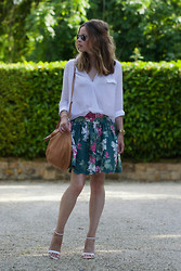 Christine R. - Ray Ban Aviators, Zara Shirt, Cos Bag, Zara Sandals - Floral skirt