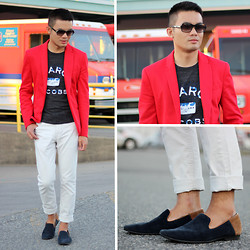 Justin Leigh - Marni Sunglasses, Zara Circular Blazer, Marc By Jacobs Graphic Tee, H&M Jeans, Aldo Suede Loafers - Rush Delivery