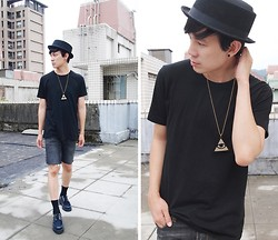 Zack T - Tally & Hoe Necklace, New York Hat, Underground Creepers - All Seeing Eye