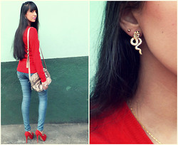 Bianca Martins - Efoxcity Snake Earrings, Disfrutti Red Swaters, Sawary Jeans, Di Cristalli Peep Toe - Love stoned