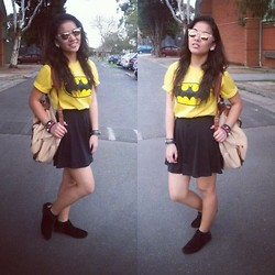 Anna Ordonez - Diy Boots, Factorie Backpack, Batman Shirt, Cotton On Sunnies, Ice Skater Skirt - Nanananana BATMAN!