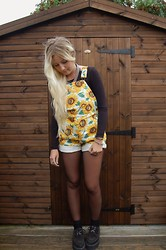 Nicola Boraston - American Apparel Sunflower Dungarees, American Apparel Black Long Sleeved Crop, Underground Creepers - Helianthus Annuus
