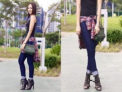 Patricia Prieto - Givenchy Bag, Levi's® Skinnies, Dolce Vita Boots - We Danced All Night to the Best Song Ever