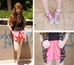 ♡ Mai Stor ♡ - Shoes, Second Hand Bow Shorts, Vintage Tiger Shirt, Ring, Bracelets - Pink Charm- Windy Day