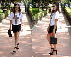 "Gaby Gómez MODA CAPITAL - Look Book Store Skort, Look Book Store Tshirt, H&M Shades, Rebecca Minkoff Bag, Persun Shoes - ""Hello August"""