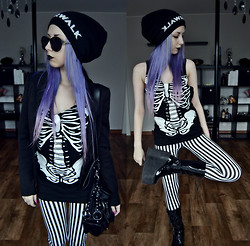 Rosa Pekkanen - Lindex Shades, Lindex Bag, Diy Skeleton Shirt, Leggings, Demonia Swing 220 Patent Leather Boots - Zero, come here