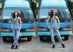 Laura Borges Ribeiro - Vintage Dungarees, No Label Beanie - DUNGAREEING
