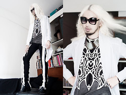 Andre Judd - H. Custodio Cotton Linen Kimono Wrap Coat, Russell Villafuerte Leather Cutout Applique Tee, Kokon To Zai Laceup Up Leggings, Rad By Hourani Leather Strap Sandals - BLEACHED