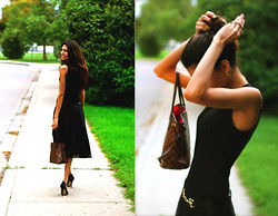 Style Surani - Louis Vuitton Neverfull Mm, Holt Renfrew Belt - Little Black Dress