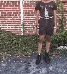 Corey Randle - Sigur Ros Tshirt, Thrifted High Waisted Shorts, American Apparel Belt, Dr. Martens Black Boots - High waist nation
