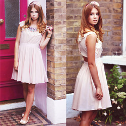 Iga Wysocka - New Look Dress, Primark Shoes, Topshop Head Band - Baby pink