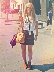 Maren Anita - Bally Bag, Hudson Boots, Zara Skirt - Festival look