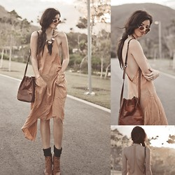 Elle-May Leckenby - T Criss Cross Backless Long Dress With Pockets, Tsumijewelry, Small Round Shades, Choies Brown Lace Up Wood Heel Boots - Sea side strolling