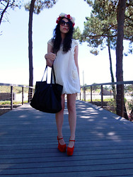 Rebeca Solis Medina - Zara Handbag, Necklace, Ebay Shoes, Primark Sunglasses - Flowers... flowerss....