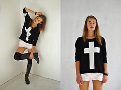 Ūla U. - Gino Tricot Cross Sweater, Bongo Shorts, Jockey Wellies - Crosses and wellies