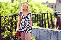 Olivia Taylor - Motel Playsuit, Madewell Bag, H&M Hat - Daisy