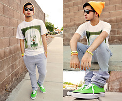 Shawn C. - Mepcy Mother Mary 17 Tee, Vans Authentic Classics, Neon Orange Beanie - Neon Accents