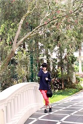 Yunita Yapi - Gap Navy Blue Sweater, Pink Pastel Pants, New Look Black Oxfords, Ray Ban Sunglasses - Last Day in Hotel