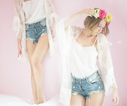 Sarah G. - Primark Lace Kimono, Diy Flower Headband, Bershka Denim Shorts - The air is laced with a sweet Perfume