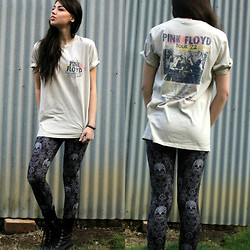 Sophie Elle - Junk Food Clothing Pink Floyd Dark Side Of The Moon Vintage T Shirt, Bdg Lace Skull High Rise Leggings, Dotti Festival Boots - Dark Side of the Moon