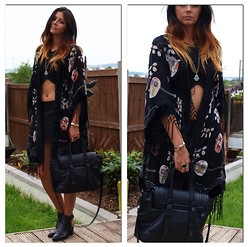 Emma Hill - River Island Floral Kimono, Zara Crop Top, Zara Black Skort, Zara Backless Black Boots, Zara Black Bag - Woodstock